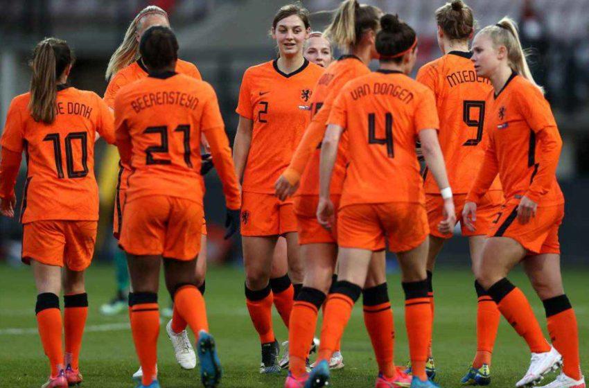 Olanda, il via alle squadre di calcio miste