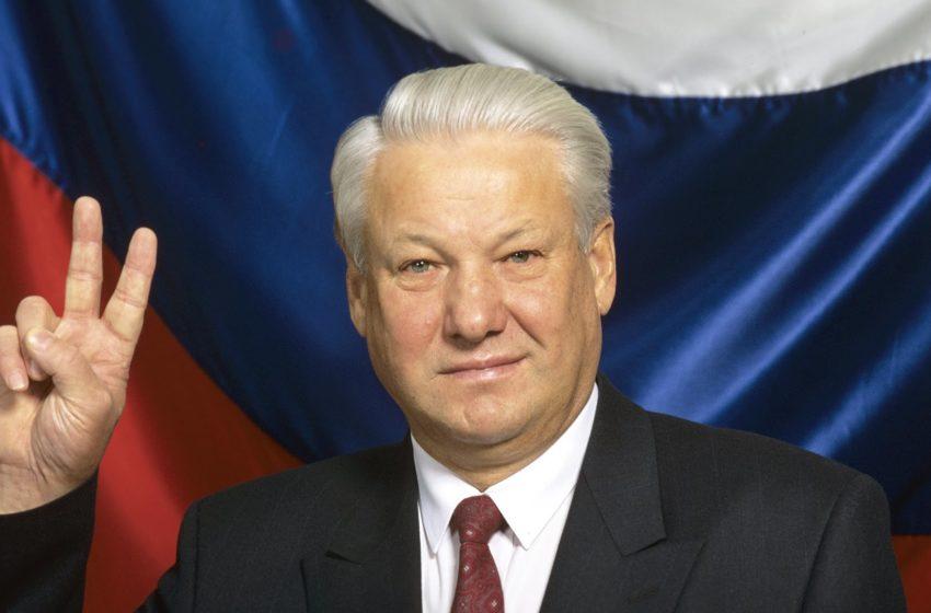 12 giugno, i russi eleggevano Yeltsin presidente della Federazione