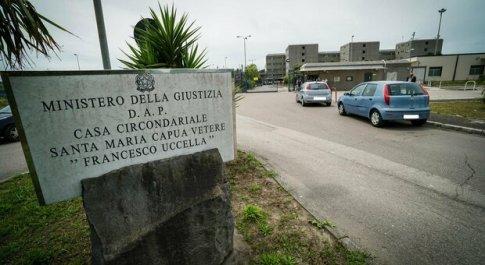 Violenza di Stato, cosa succede nelle carceri italiane